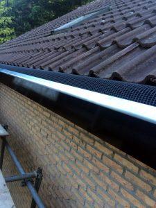 Nieuwbouw dakgoot met gootdrain